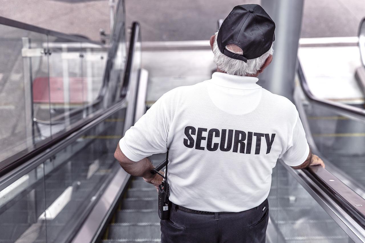 Des agents de sécurité pour les chantiers et les centres de stockage ?